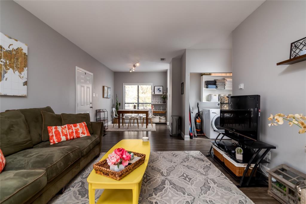 5620 Live Oak  Street, Dallas, Texas 75206 - acquisto real estate best allen realtor kim miller hunters creek expert