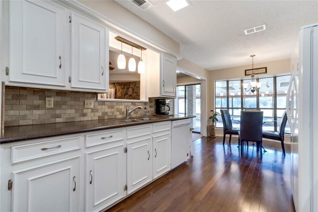 324 Shady Brook  Lane, Cedar Hill, Texas 75104 - acquisto real estate best celina realtor logan lawrence best dressed realtor