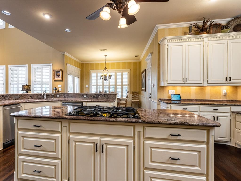 3109 Shadow  Drive, Arlington, Texas 76006 - acquisto real estate best designer and realtor hannah ewing kind realtor