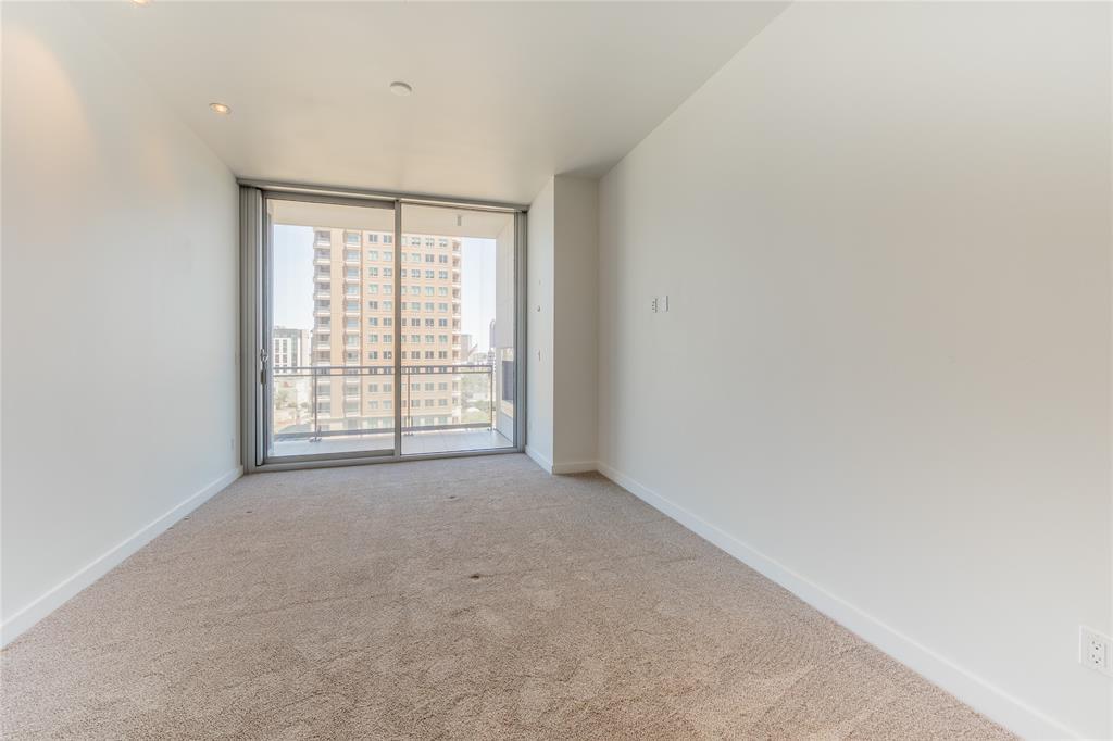 2900 Mckinnon  Street, Dallas, Texas 75201 - acquisto real estate best realtor dallas texas linda miller agent for cultural buyers
