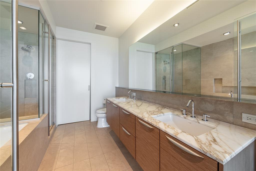 2900 Mckinnon  Street, Dallas, Texas 75201 - acquisto real estate best realtor foreclosure real estate mike shepeherd walnut grove realtor