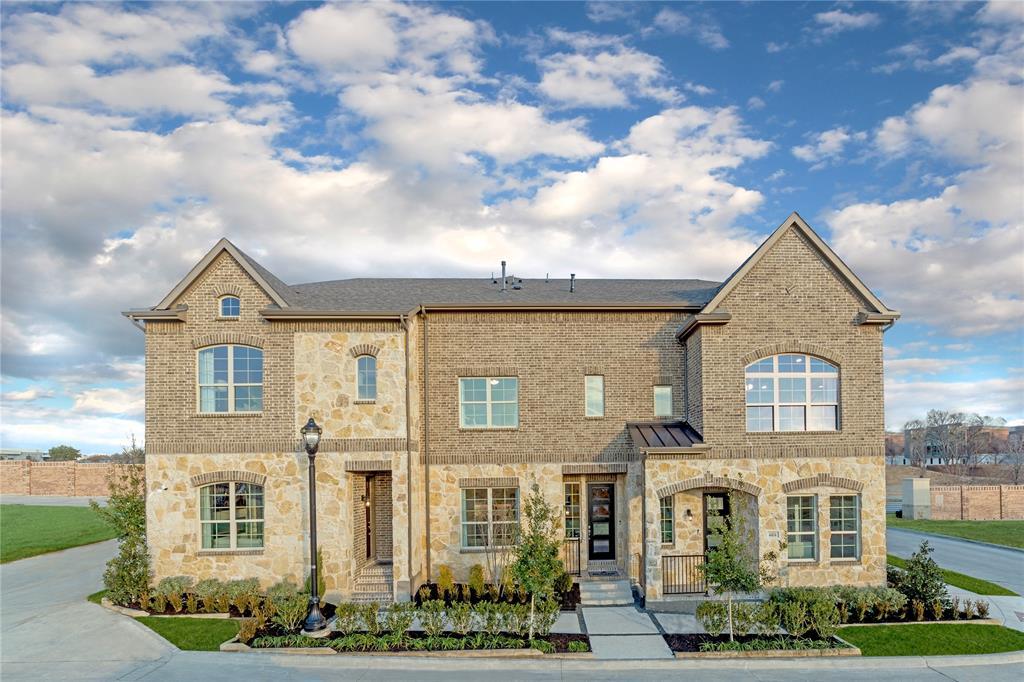 2837 Troutt  Drive, Carrollton, Texas 75010 - Acquisto Real Estate best frisco realtor Amy Gasperini 1031 exchange expert