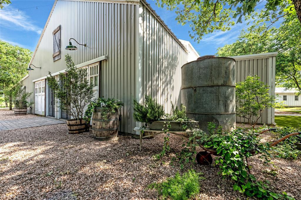 2712 Happy Swaner  Lane, Axtell, Texas 76624 - Acquisto Real Estate best frisco realtor Amy Gasperini 1031 exchange expert