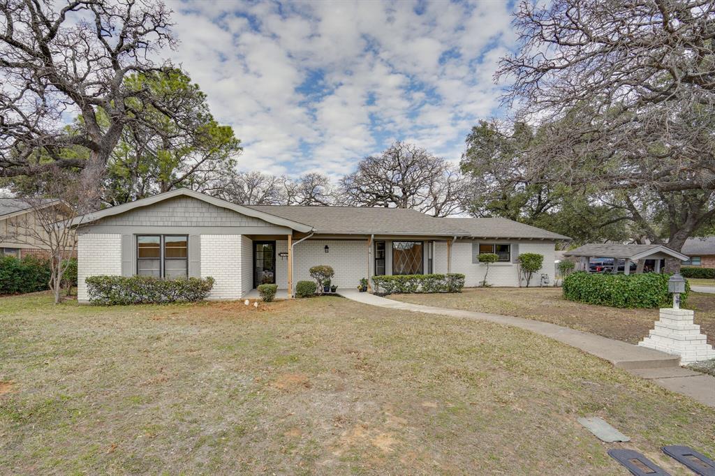 400 Plainview  Drive, Hurst, Texas 76054 - Acquisto Real Estate best frisco realtor Amy Gasperini 1031 exchange expert