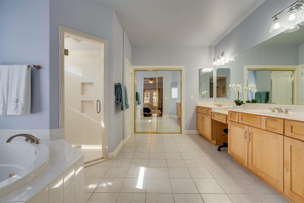 10901 Sandstone  Drive, Denton, Texas 76207 - acquisto real estate best realtor dfw jody daley liberty high school realtor
