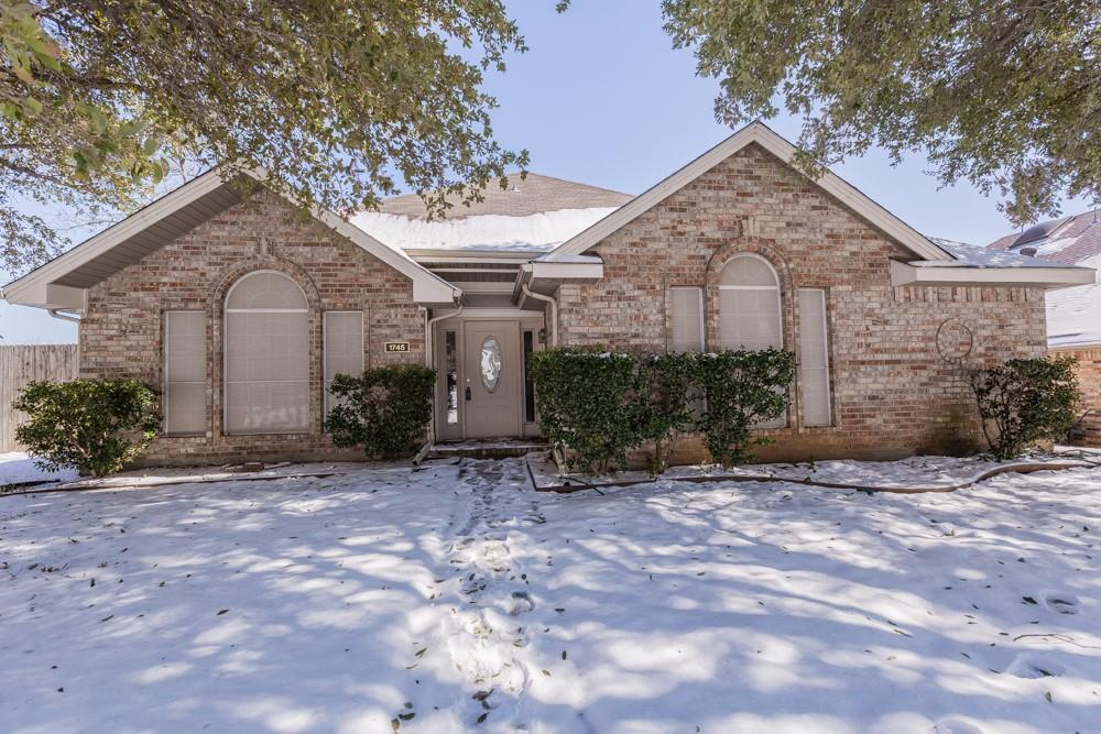 1745 Smokey Hill  Drive, Lewisville, Texas 75067 - Acquisto Real Estate best frisco realtor Amy Gasperini 1031 exchange expert