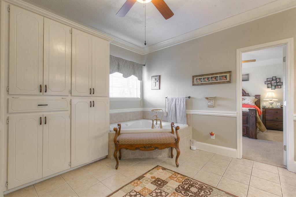 100 Mariah  Drive, Weatherford, Texas 76087 - acquisto real estate best investor home specialist mike shepherd relocation expert