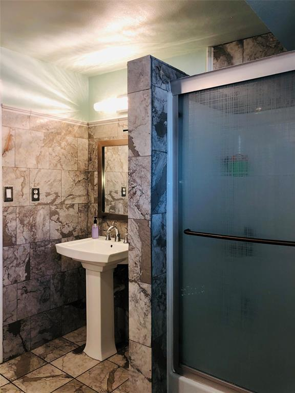 2507 Vernon  Avenue, Dallas, Texas 75224 - acquisto real estate best style realtor kim miller best real estate reviews dfw