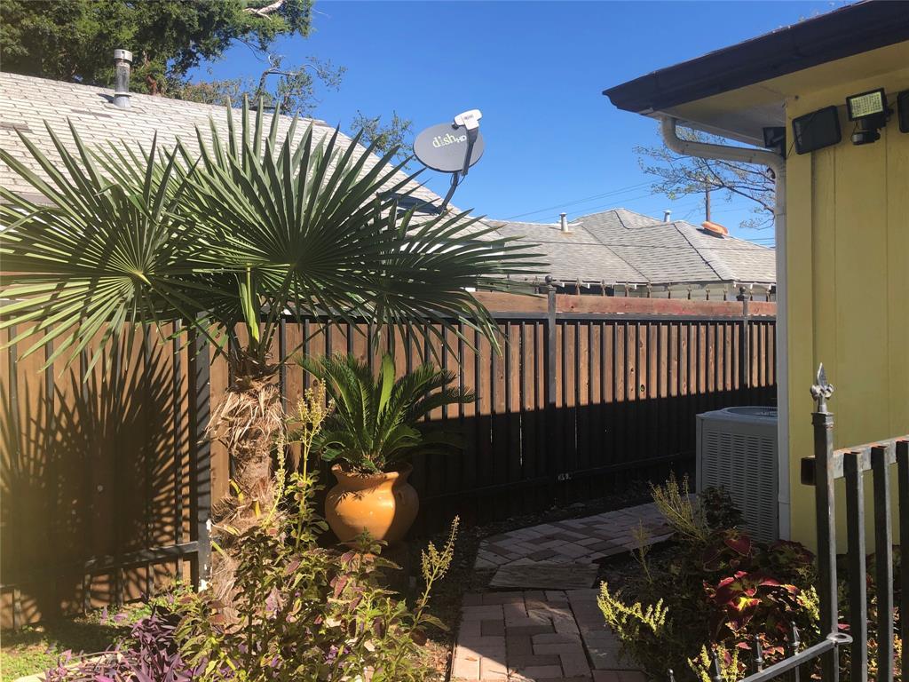 2507 Vernon  Avenue, Dallas, Texas 75224 - acquisto real estate best frisco real estate agent amy gasperini panther creek realtor