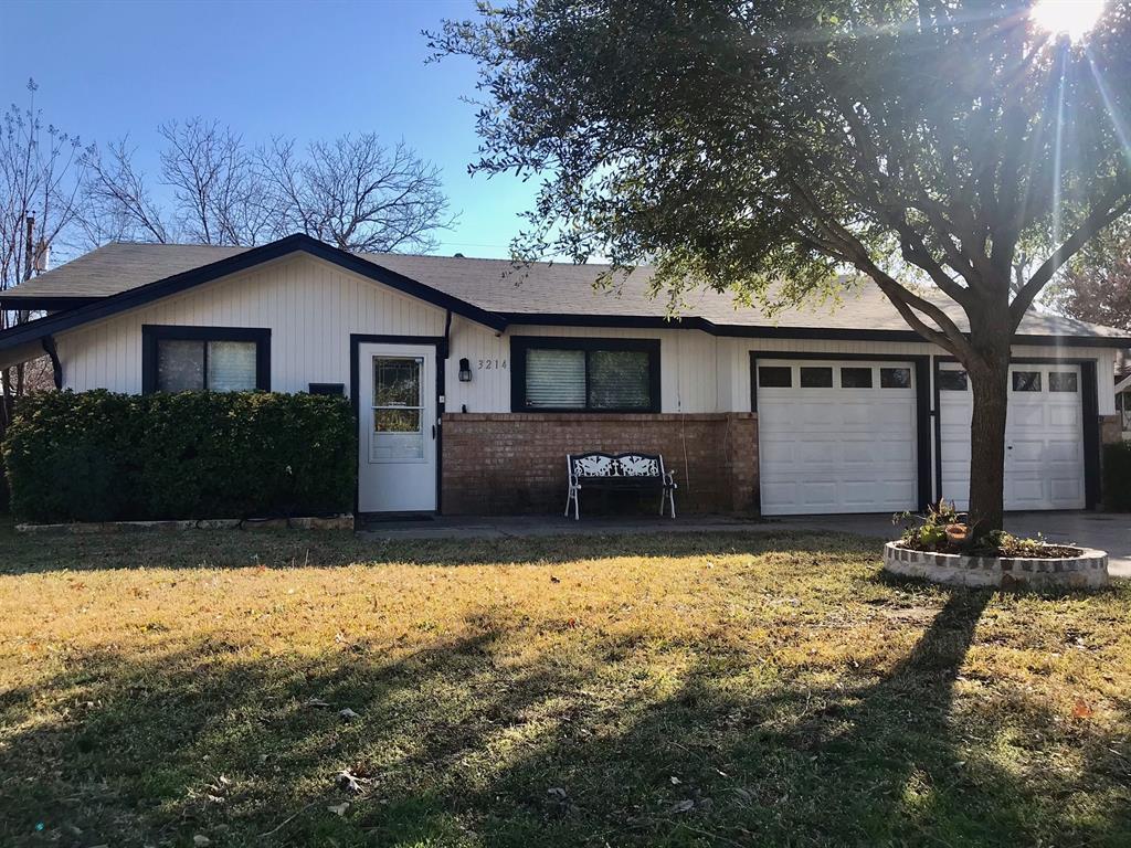 3214 Mccollum  Street, Irving, Texas 75061 - Acquisto Real Estate best frisco realtor Amy Gasperini 1031 exchange expert