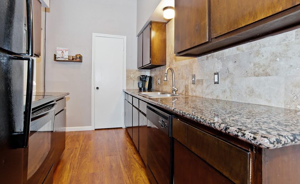 5105 Skillman  Street, Dallas, Texas 75206 - acquisto real estate best new home sales realtor linda miller executor real estate