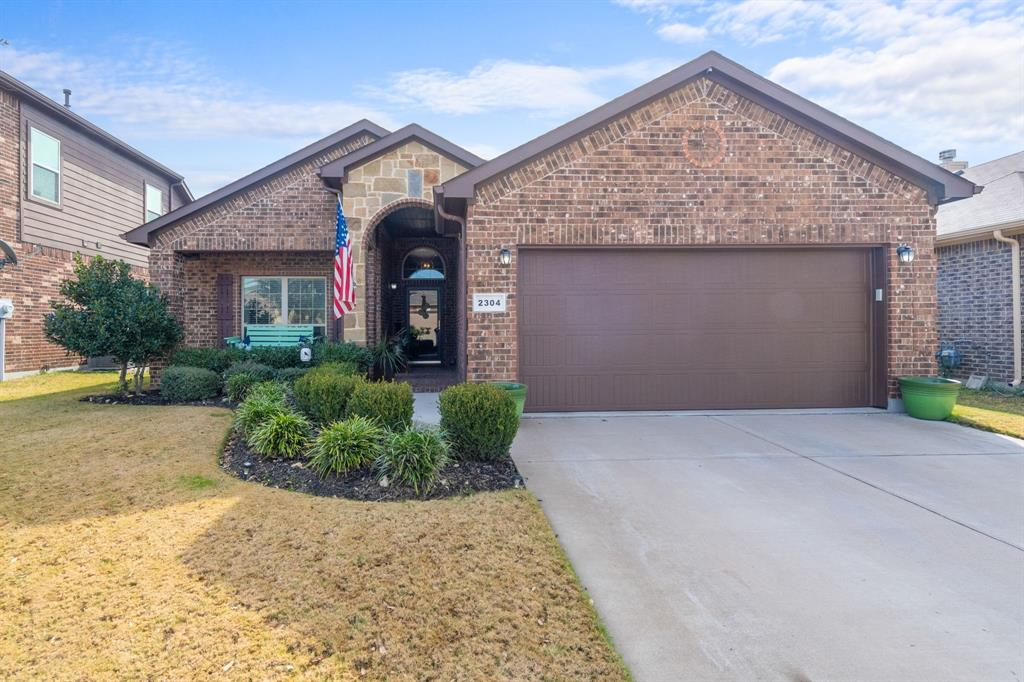2304 Laurel Forest  Drive, Fort Worth, Texas 76177 - Acquisto Real Estate best frisco realtor Amy Gasperini 1031 exchange expert
