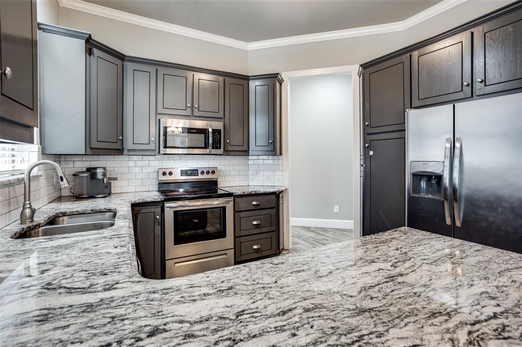 223 Oklahoma  Avenue, Pottsboro, Texas 75076 - acquisto real estate best listing agent in the nation shana acquisto estate realtor