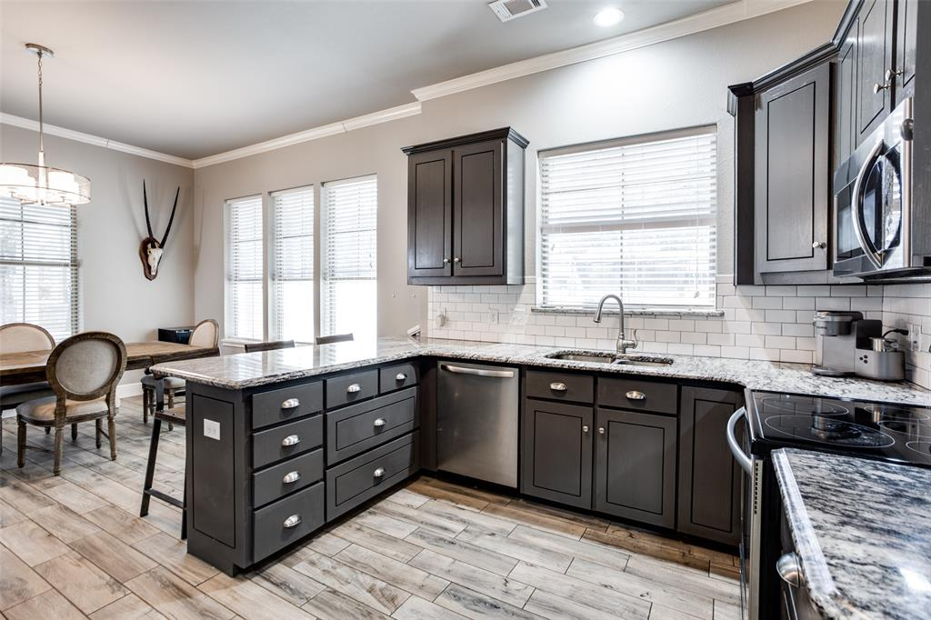 223 Oklahoma  Avenue, Pottsboro, Texas 75076 - acquisto real estate best new home sales realtor linda miller executor real estate