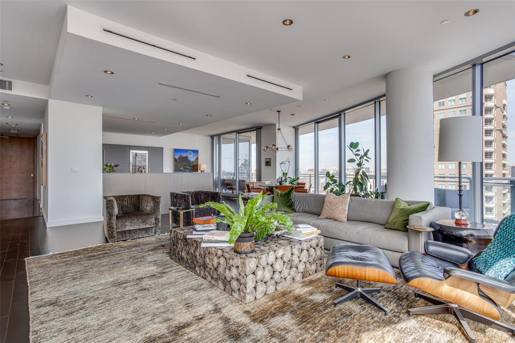 2900 Mckinnon  Street, Dallas, Texas 75201 - Acquisto Real Estate best frisco realtor Amy Gasperini 1031 exchange expert