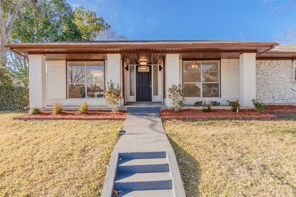 1125 Gardengate  Circle, Garland, Texas 75043 - Acquisto Real Estate best plano realtor mike Shepherd home owners association expert