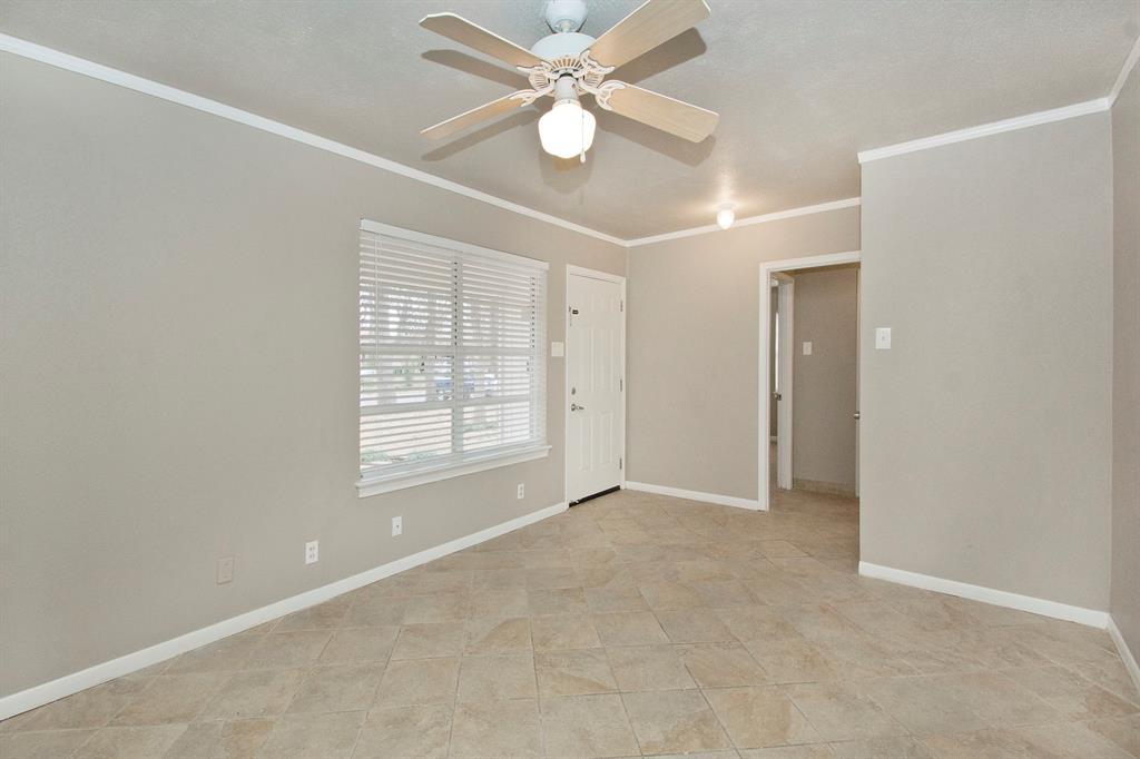 1817 Oakhurst  Drive, Irving, Texas 75061 - acquisto real estate best the colony realtor linda miller the bridges real estate