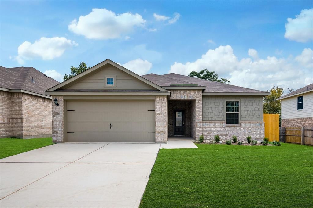 333 Blue Buffalo Street  Fort Worth, Texas 76120 - Acquisto Real Estate best plano realtor mike Shepherd home owners association expert