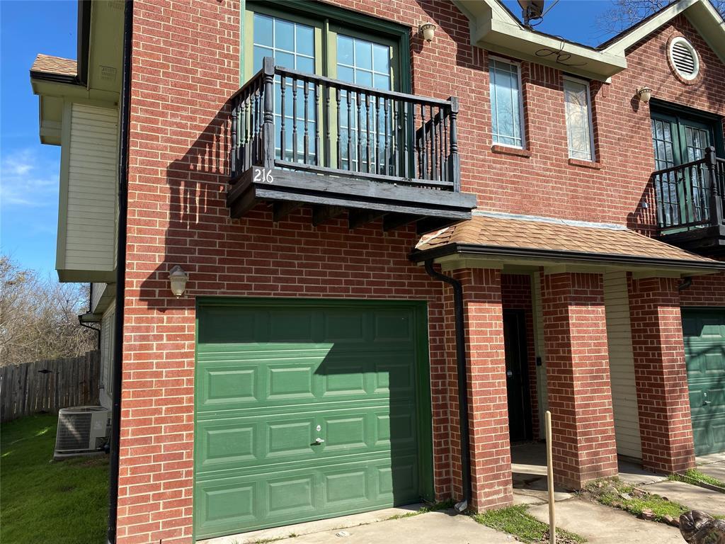 216 Pecan  Hollow, Garrett, Texas 75119 - Acquisto Real Estate best frisco realtor Amy Gasperini 1031 exchange expert
