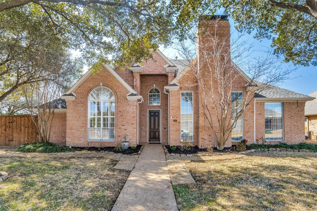 7301 Hollingsworth  Drive, Plano, Texas 75025 - Acquisto Real Estate best plano realtor mike Shepherd home owners association expert