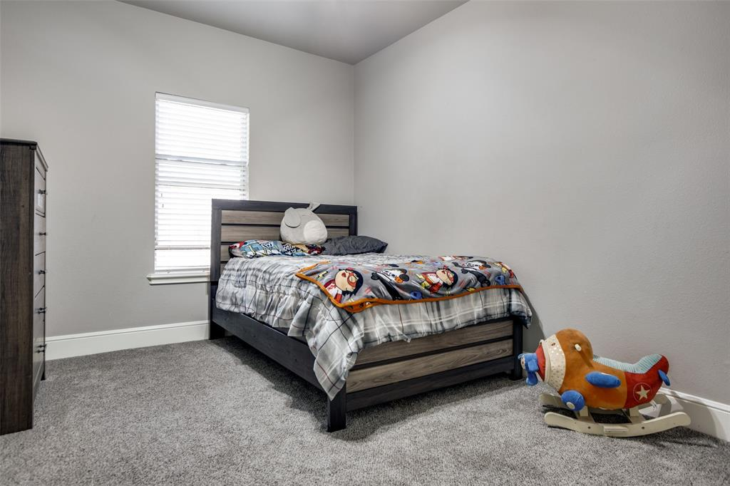 223 Oklahoma  Avenue, Pottsboro, Texas 75076 - acquisto real estate agent of the year mike shepherd