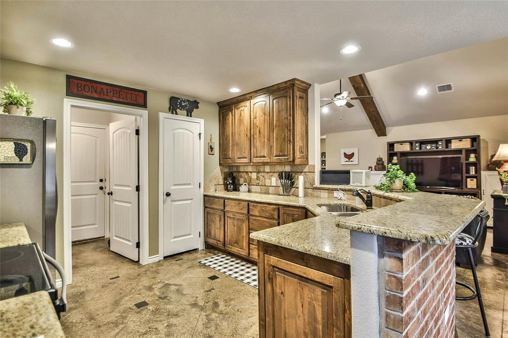 3017 Steepleridge  Circle, Granbury, Texas 76048 - acquisto real estate best luxury buyers agent in texas shana acquisto inheritance realtor