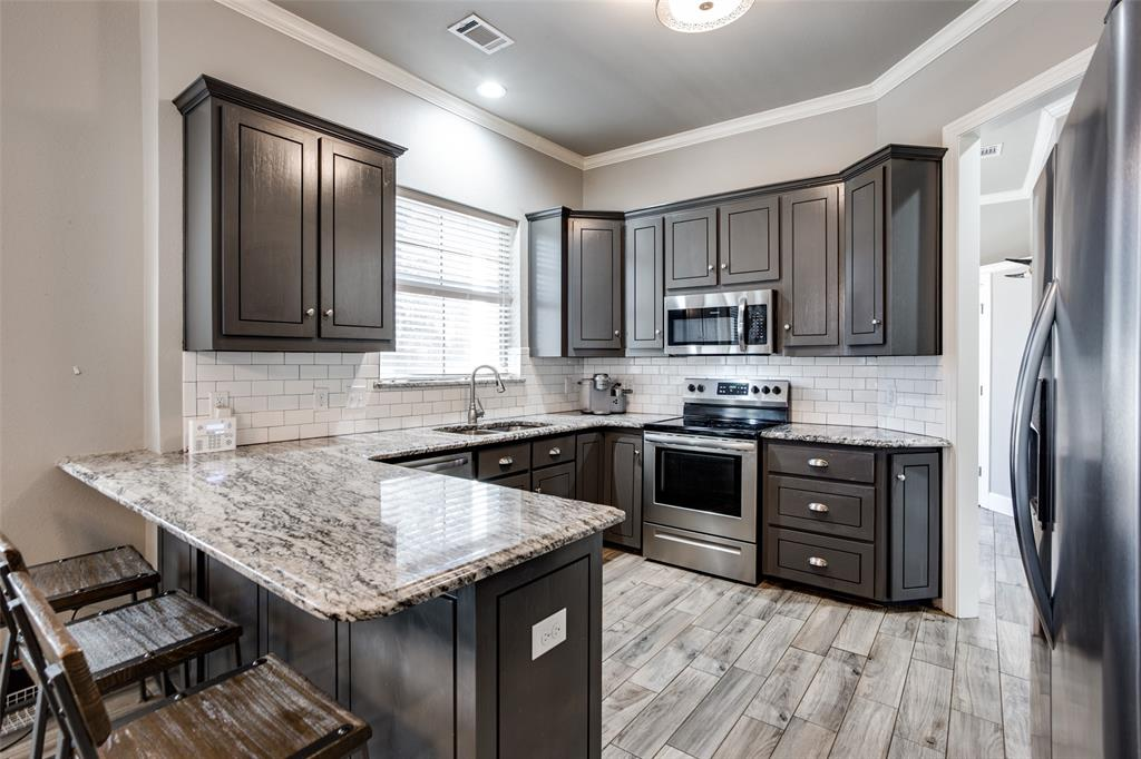 223 Oklahoma  Avenue, Pottsboro, Texas 75076 - acquisto real estate best luxury buyers agent in texas shana acquisto inheritance realtor