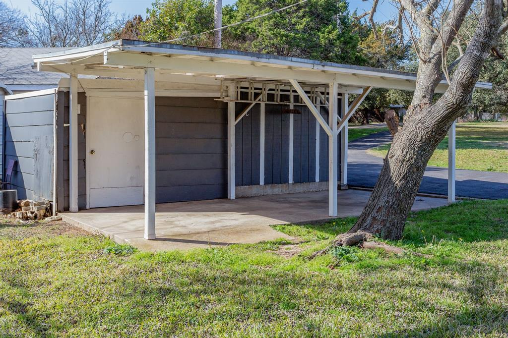 461 County Road 1812  Clifton, Texas 76634 - acquisto real estate agent of the year mike shepherd