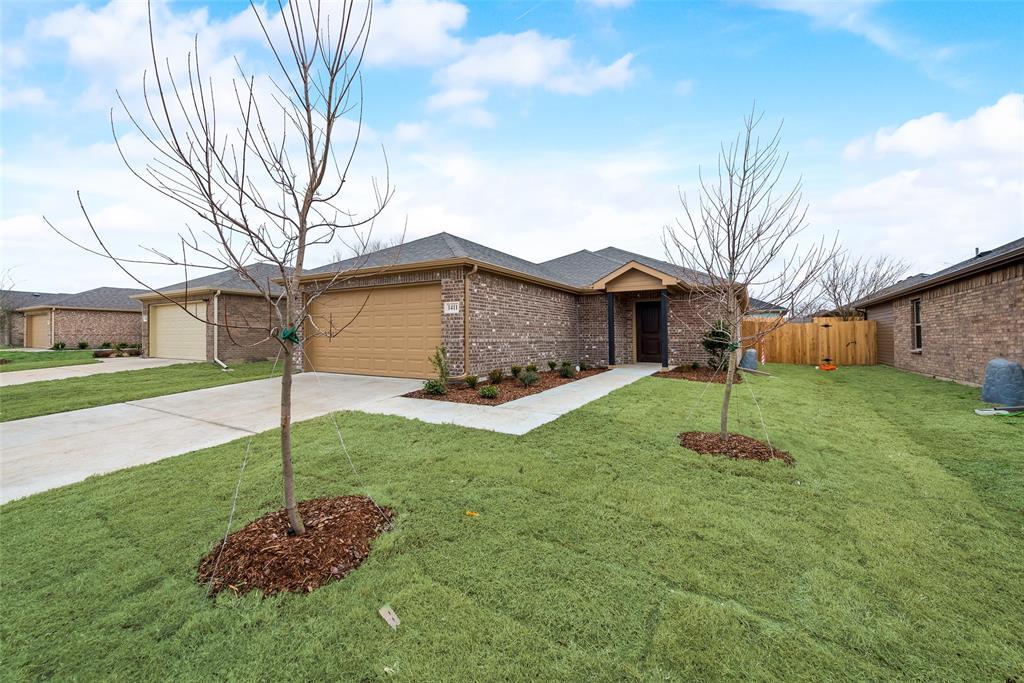 1411 Warringwood  Drive, Greenville, Texas 75402 - Acquisto Real Estate best frisco realtor Amy Gasperini 1031 exchange expert