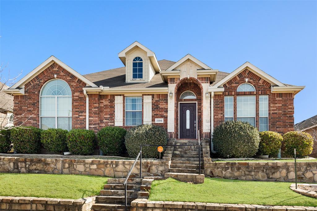 2106 Hollow  Way, Garland, Texas 75041 - Acquisto Real Estate best frisco realtor Amy Gasperini 1031 exchange expert