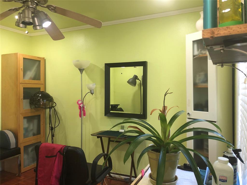 2507 Vernon  Avenue, Dallas, Texas 75224 - acquisto real estate best photos for luxury listings amy gasperini quick sale real estate