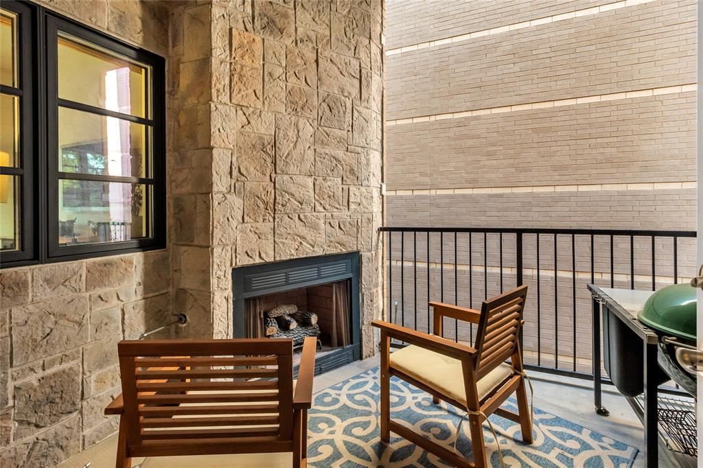 3210 Carlisle  Street, Dallas, Texas 75204 - Acquisto Real Estate best frisco realtor Amy Gasperini 1031 exchange expert