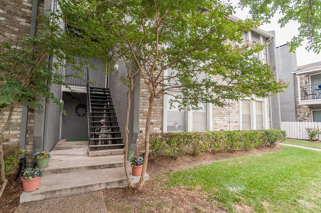 5105 Skillman  Street, Dallas, Texas 75206 - Acquisto Real Estate best plano realtor mike Shepherd home owners association expert