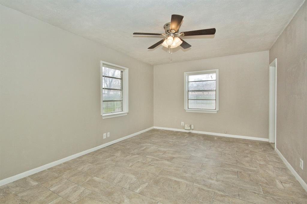 1817 Oakhurst  Drive, Irving, Texas 75061 - acquisto real estate best new home sales realtor linda miller executor real estate