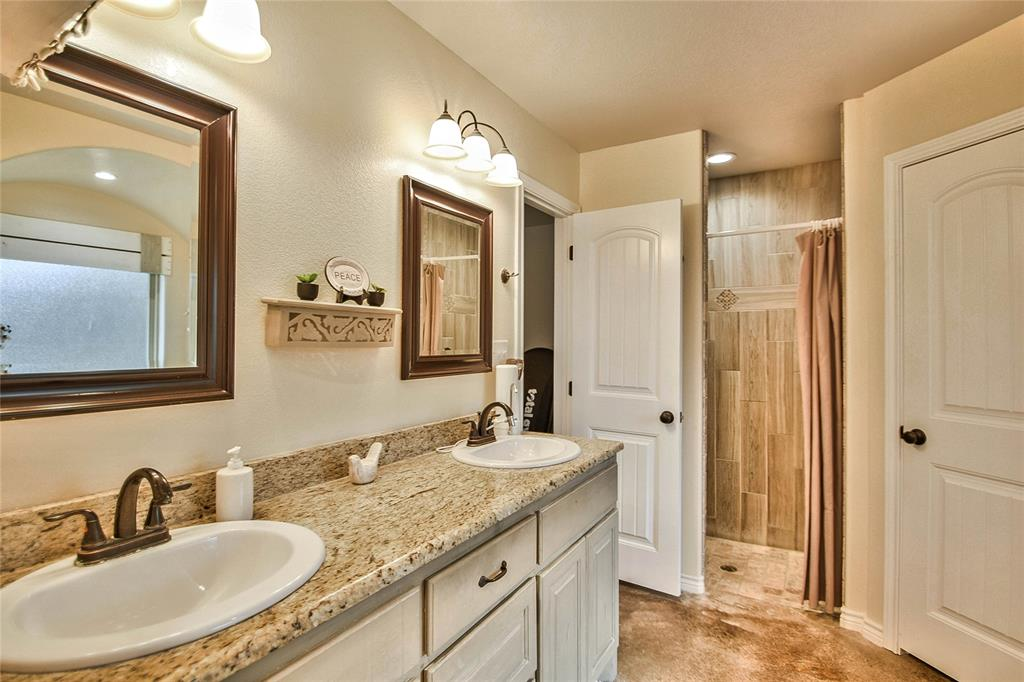 3017 Steepleridge  Circle, Granbury, Texas 76048 - acquisto real estaet best boutique real estate firm in texas for high net worth sellers