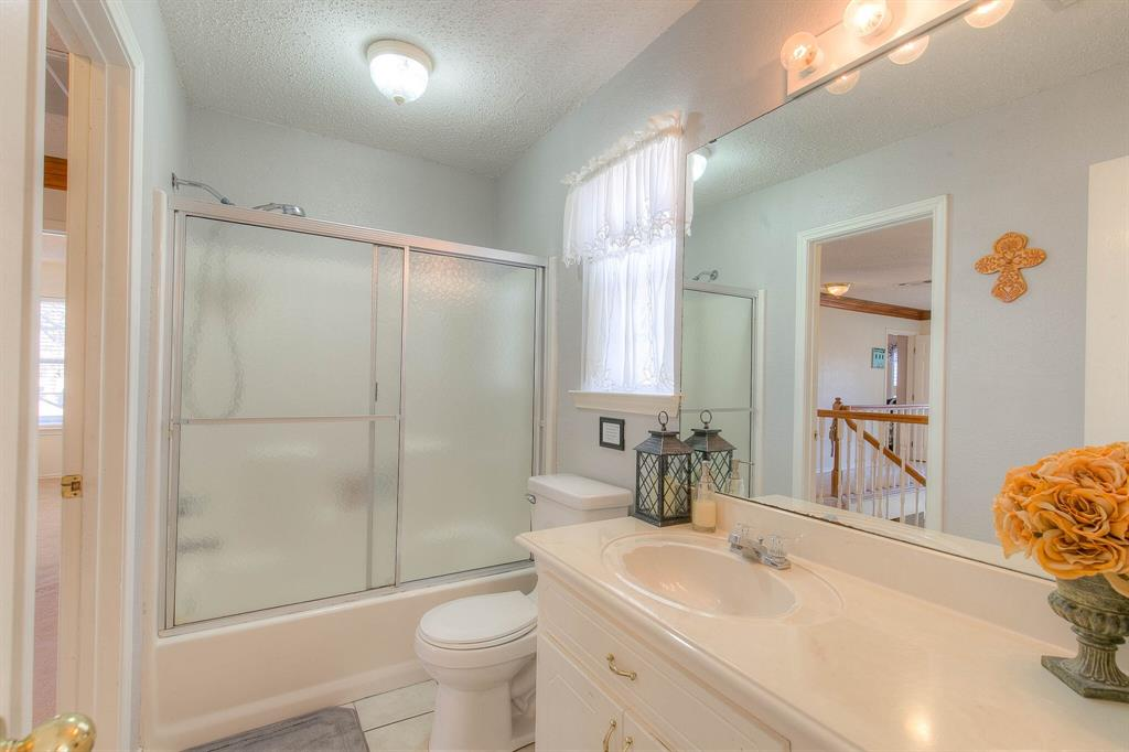 100 Mariah  Drive, Weatherford, Texas 76087 - acquisto real estaet best boutique real estate firm in texas for high net worth sellers