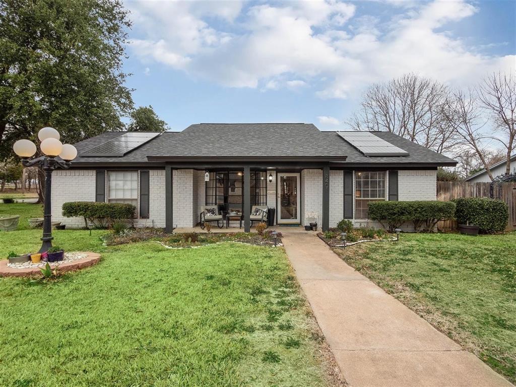 8401 Glenann  Drive, North Richland Hills, Texas 76182 - Acquisto Real Estate best frisco realtor Amy Gasperini 1031 exchange expert