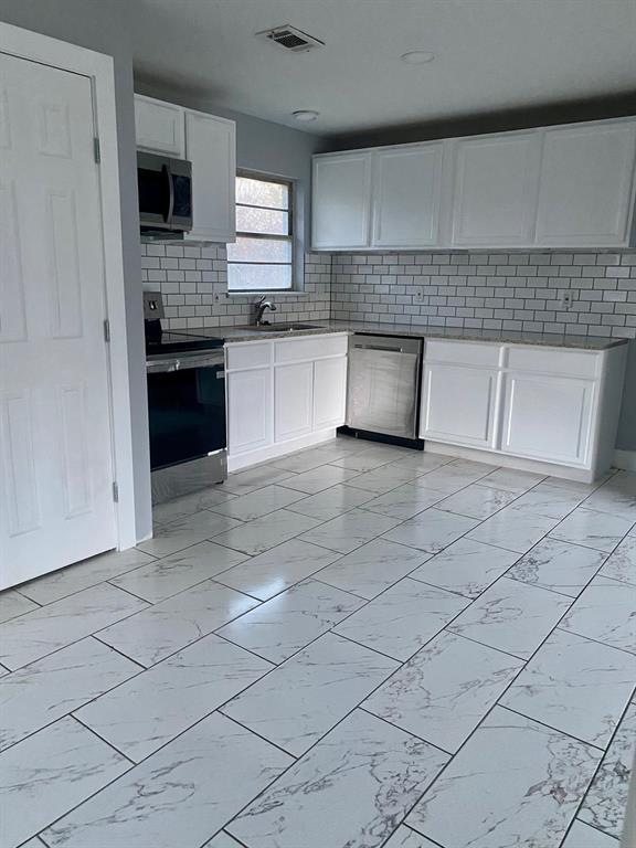 1513 Belmead  Lane, Irving, Texas 75061 - Acquisto Real Estate best frisco realtor Amy Gasperini 1031 exchange expert