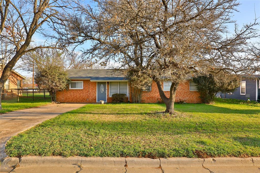 832 Rambler  Street, Albany, Texas 76430 - Acquisto Real Estate best frisco realtor Amy Gasperini 1031 exchange expert