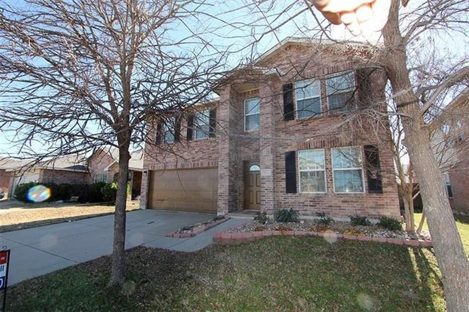 1812 Diamond Lake  Trail, Fort Worth, Texas 76247 - Acquisto Real Estate best plano realtor mike Shepherd home owners association expert