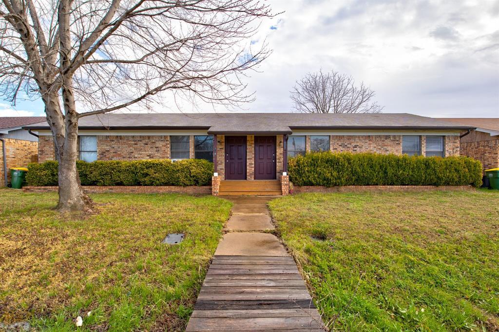 950 Meadowlark  Circle, Granbury, Texas 76049 - Acquisto Real Estate best frisco realtor Amy Gasperini 1031 exchange expert