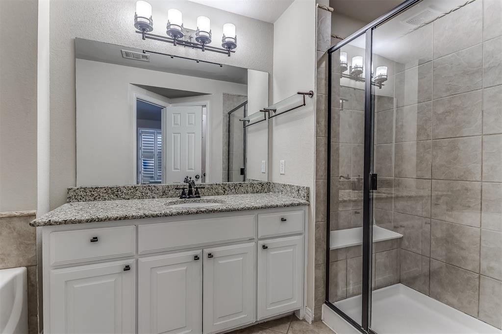 2700 Club Ridge  Drive, Lewisville, Texas 75067 - acquisto real estate best real estate company in frisco texas real estate showings