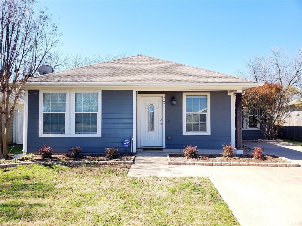 1614 Montgomery  Street, Sherman, Texas 75090 - Acquisto Real Estate best frisco realtor Amy Gasperini 1031 exchange expert