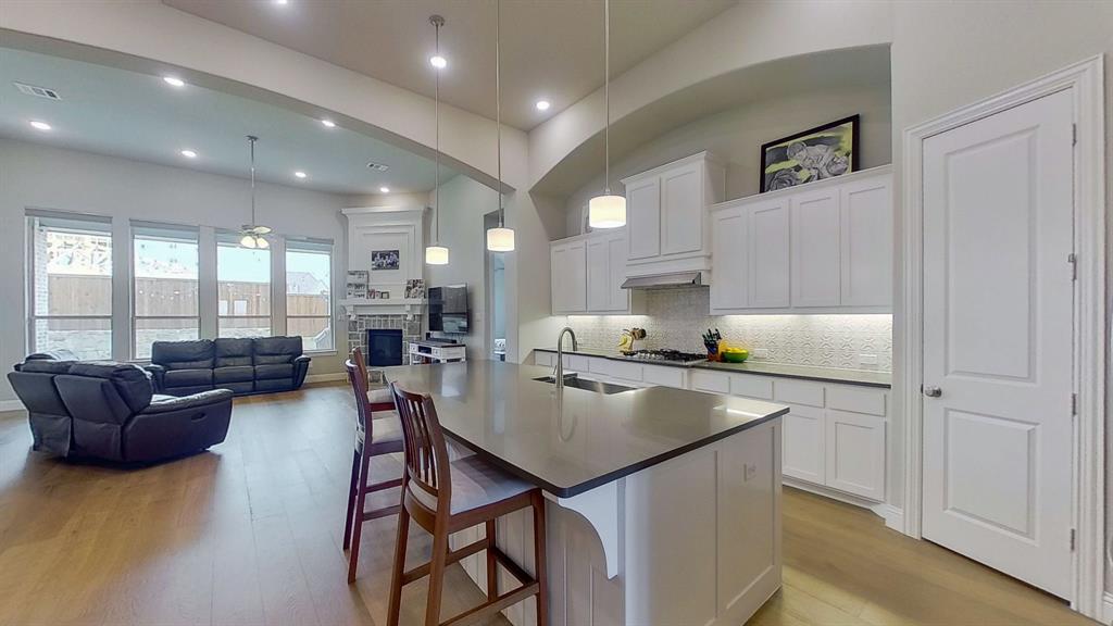 1041 Brookfield  Drive, Prosper, Texas 75078 - acquisto real estate best celina realtor logan lawrence best dressed realtor