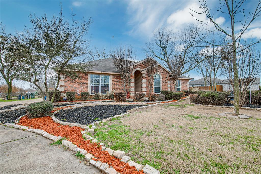 1015 Red River  Drive, Waxahachie, Texas 75167 - Acquisto Real Estate best frisco realtor Amy Gasperini 1031 exchange expert