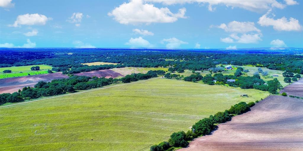 820 Brewer  Road, Fredericksburg, Texas 78624 - Acquisto Real Estate best frisco realtor Amy Gasperini 1031 exchange expert