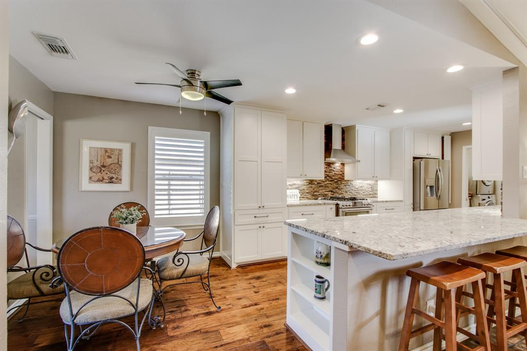 2412 Custer  Parkway, Richardson, Texas 75080 - acquisto real estate best style realtor kim miller best real estate reviews dfw