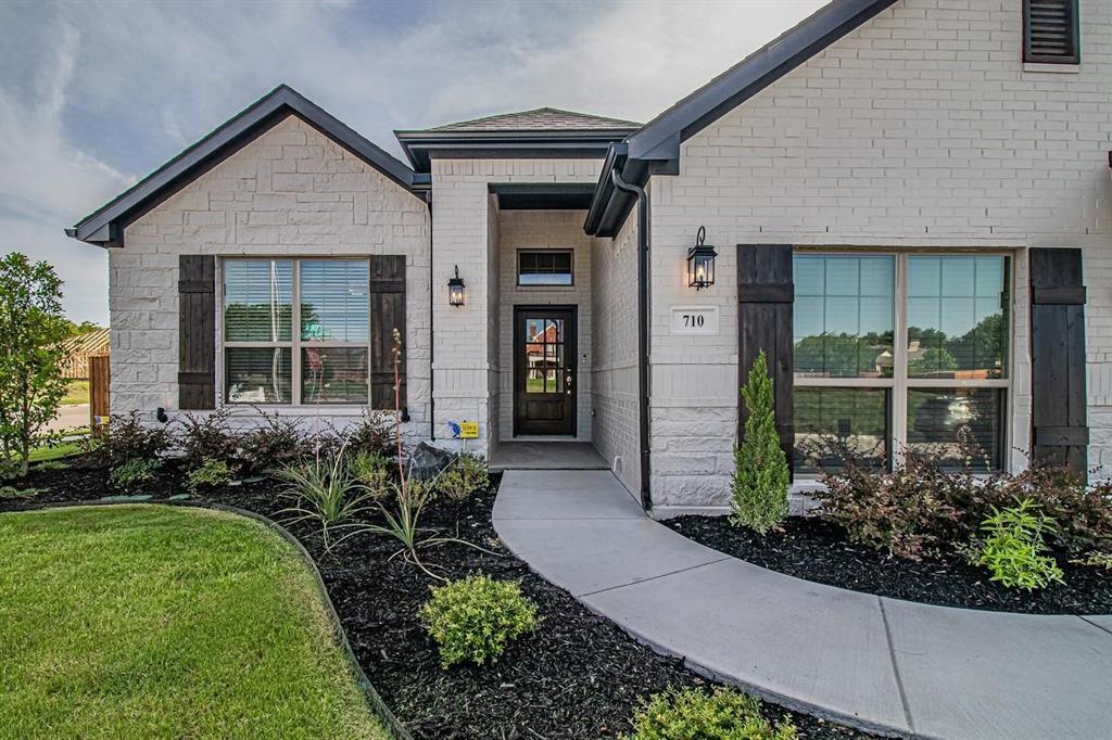 1420 Eagles Nest  Drive, Pelican Bay, Texas 76020 - Acquisto Real Estate best frisco realtor Amy Gasperini 1031 exchange expert