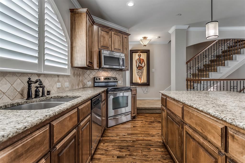 2700 Club Ridge  Drive, Lewisville, Texas 75067 - acquisto real estate best the colony realtor linda miller the bridges real estate