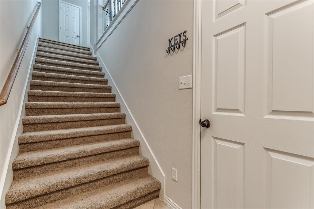 2700 Club Ridge  Drive, Lewisville, Texas 75067 - acquisto real estate best photo company frisco 3d listings